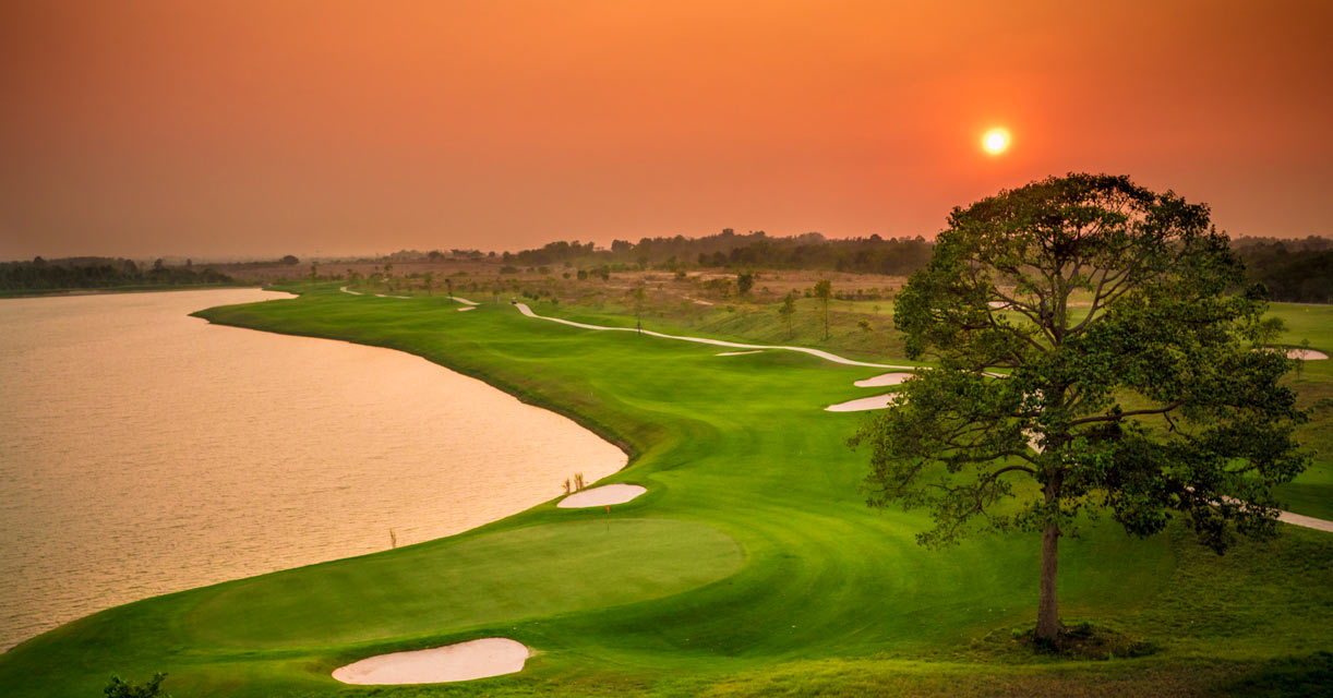 Siam Country Club - Waterside sunset over the 8th green
