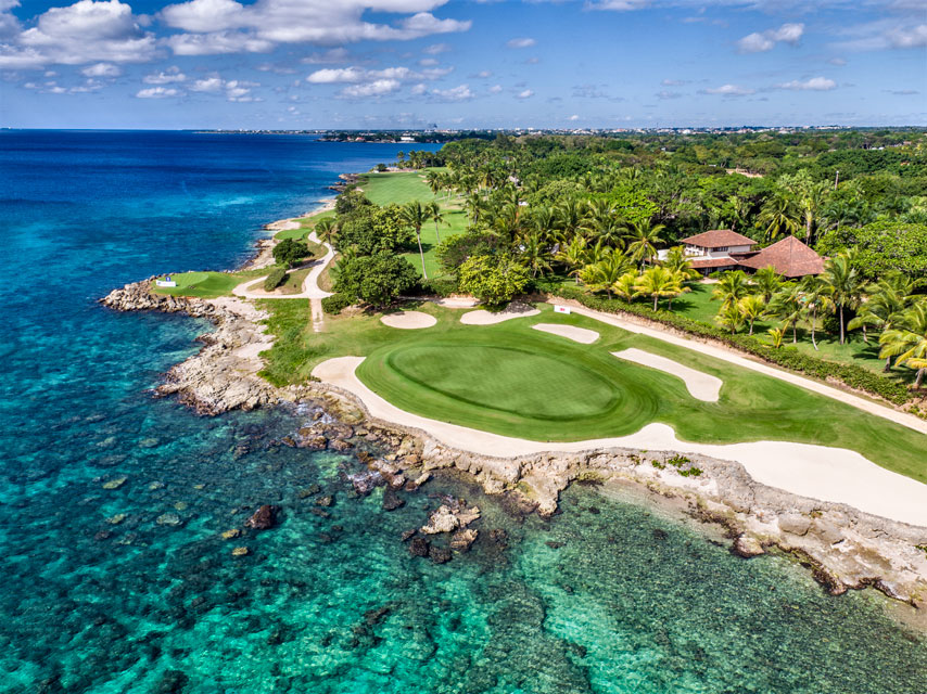 Teeth Of The Dog - Hole 7 and the Dominican coastline